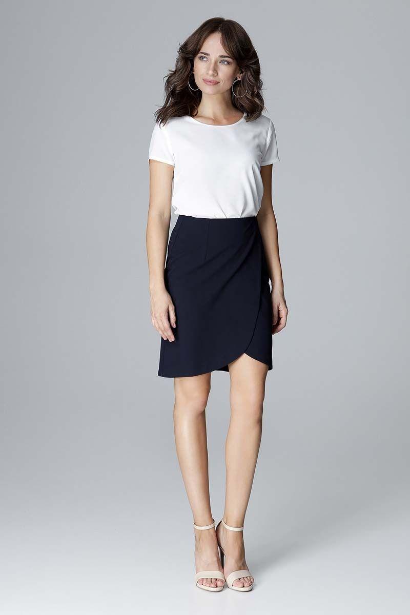 Granatowa elegancka krótka spódnica kopertowa